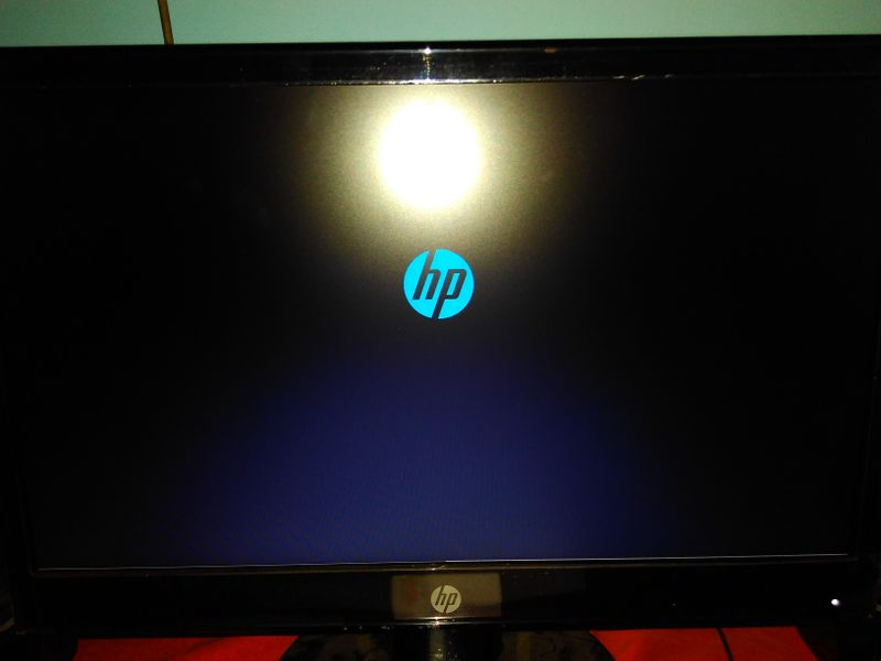 Horizontal streaks at bottom of monitor while booting - HP Support