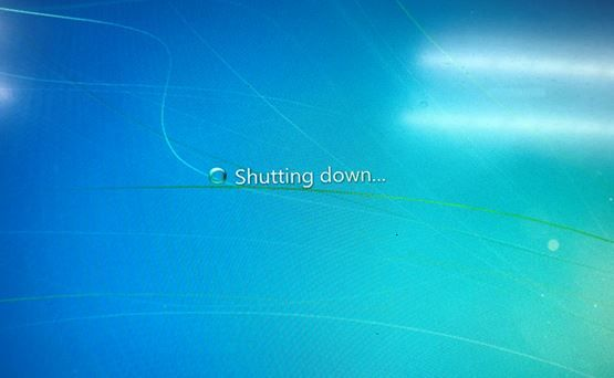 the PC hangs at this screen while shutting down