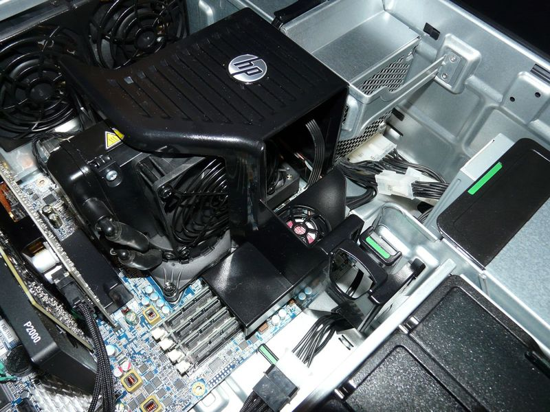 z620_2 with z420 liquid cooler installed.jpg