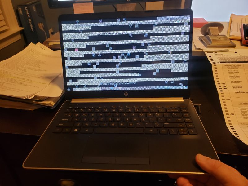 laptop_horz_pattern2.jpg