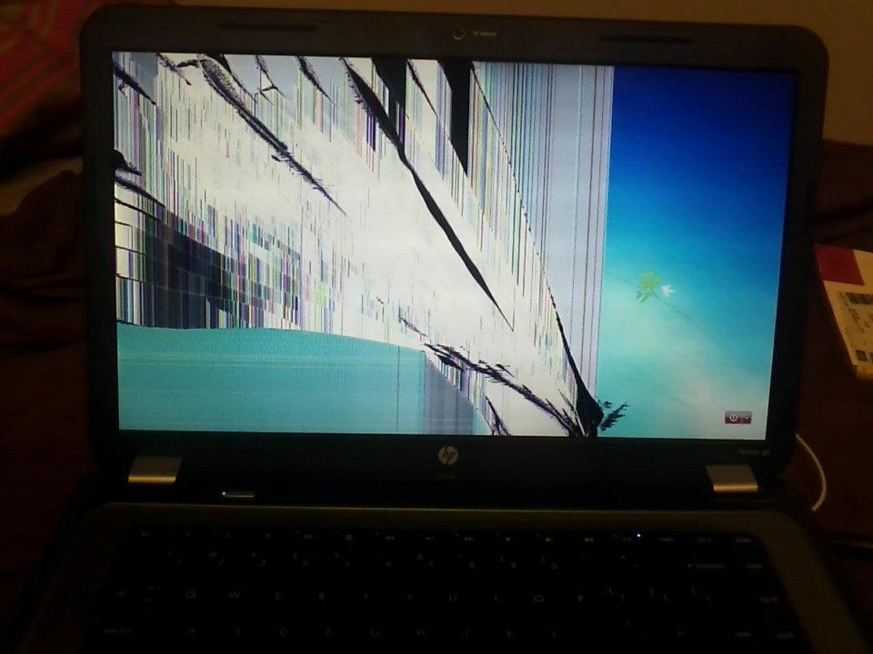 screen shows strange colors laptop repair 101 - 960×720
