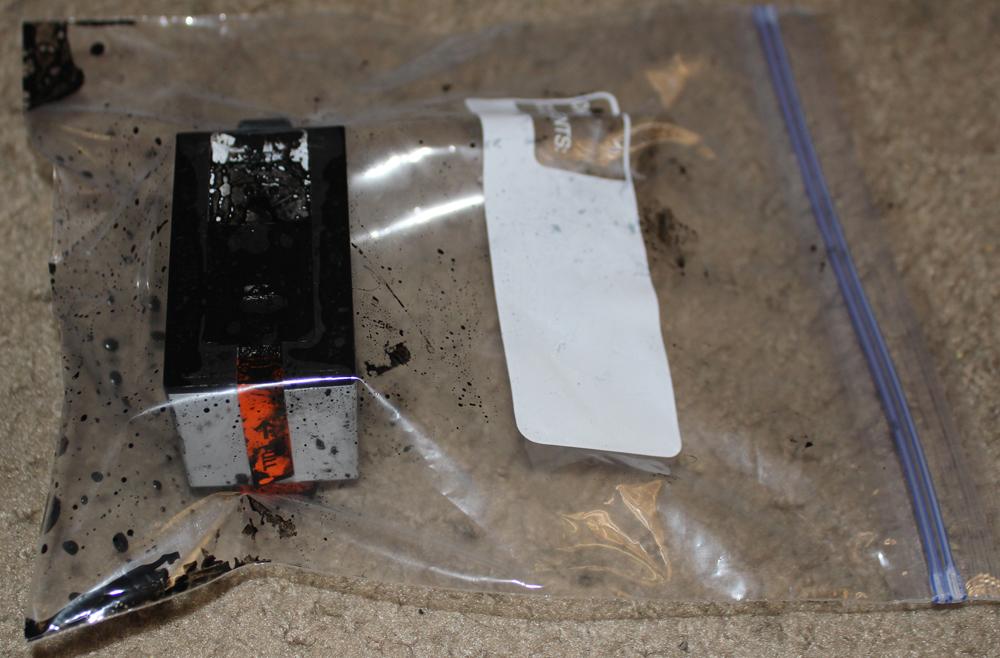 IMG_7818 - HP 920XL Black Cartridge Failure 4 - Top Seal.jpg